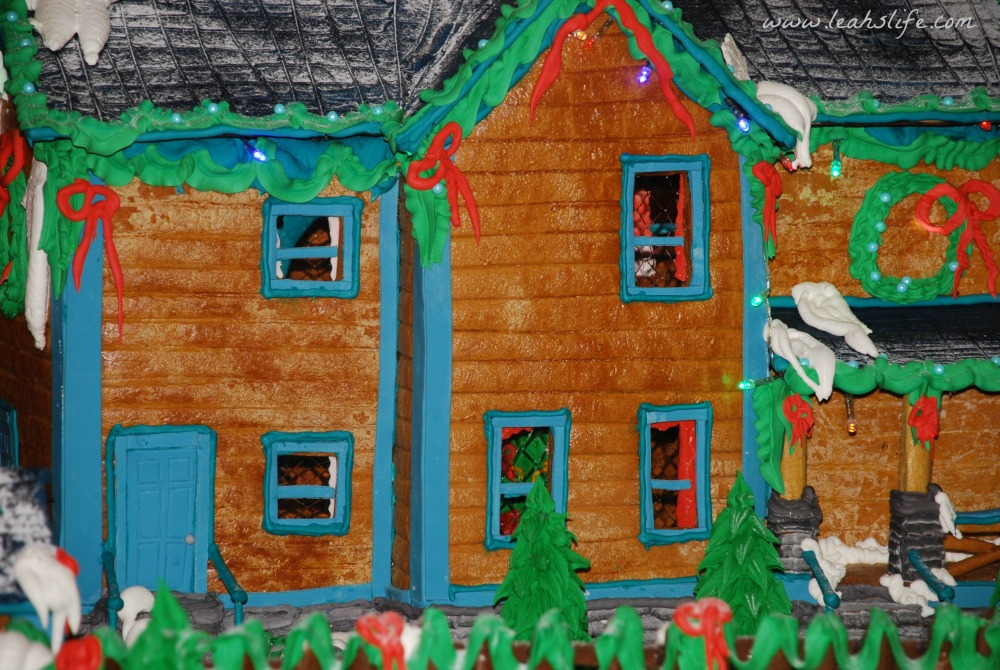 Over the Gelatin River & Through the Chocolate Woods: Gingerbread Houses (6/6)