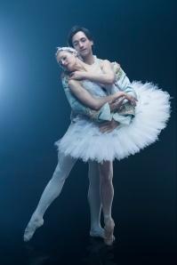 Ashley Ellis and Eris Nezha ©Eric Levin in Boston Ballet's Swan Lake