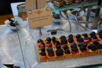 Fruit tarts are made with white chocolate instead of pastry cream.