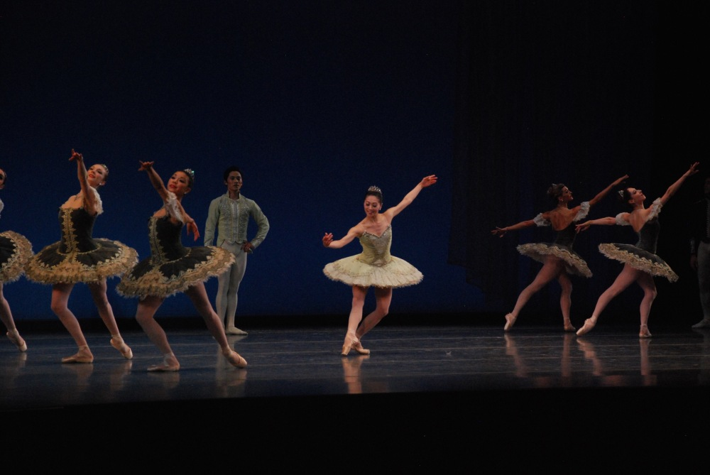 Theme and Variations dress rehearsal. Boston Ballet. (center) Principals Jeffrey Cirio and Misa Kuranaga.