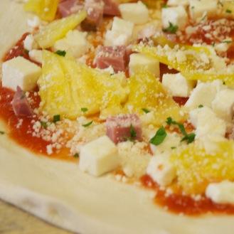 Posto Mobile's Hawaiian Pizza (before).