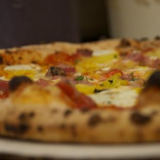 Posto Mobile's Hawaiian Pizza (after).